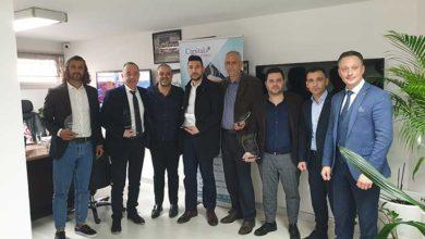 Photo of En başarılı acentelere ödülleri verildi