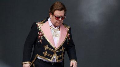 Photo of Zatürre olan Elton John, 'Şarkı söyleyemiyorum' diyerek ağladı ve konserini yarıda kesti