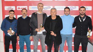 Photo of Başarılılara ödülleri verildi