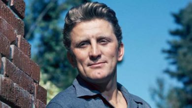 Photo of Hollywood efsanesi Kirk Douglas 103 yaşında öldü