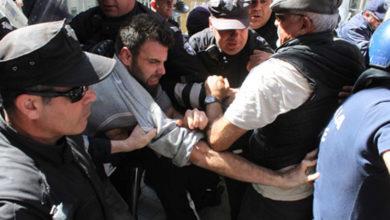 """Photo of """"Korku ve Bölünme Eylemi""""ne Rum polisinden biber gazı…"""