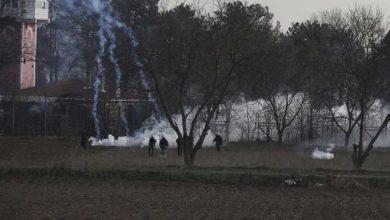 Photo of Yunan polisinden sığınmacılara yine sert müdahale