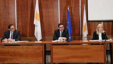 Photo of 3 Rum bakan kısıtlamaların kaldırılması ile ilgili basın toplantısı düzenledi