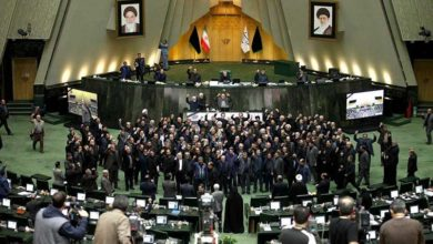 Photo of Korona İran parlamentosuna yerleşti