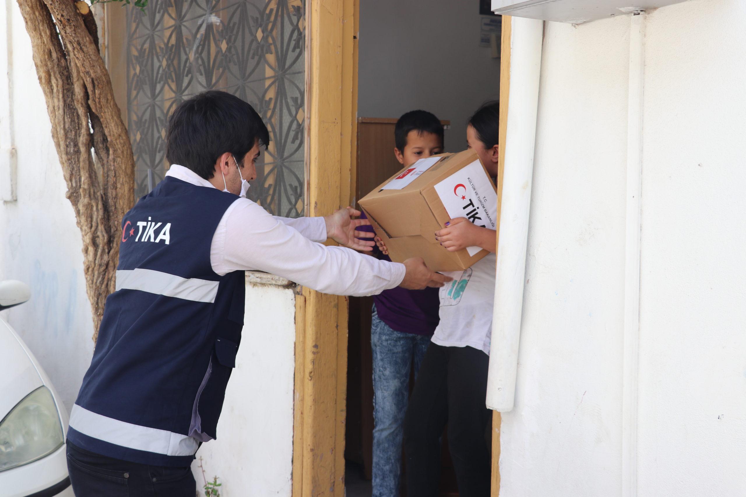 TİKA'dan KKTC'deki ihtiyaç sahibi ailelere gıda yardımı