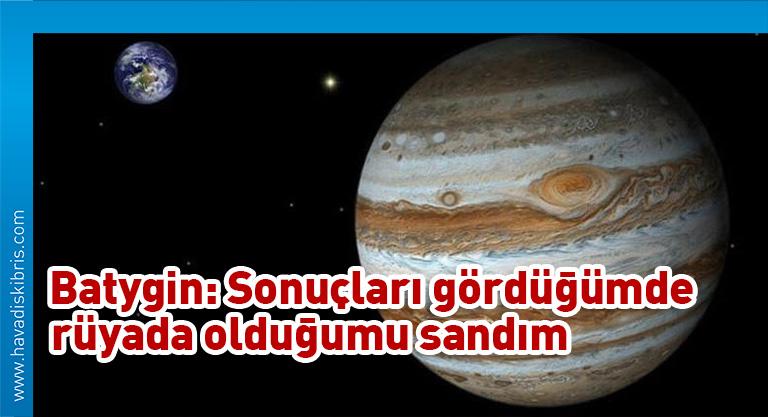 Jüpiter'in en büyük uyduları küçük dolu tanelerinden oluşmuş