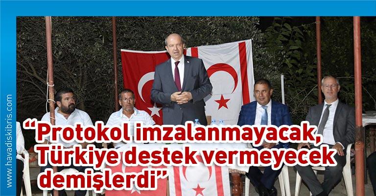 Başbakan Tatar, dün öğleyin Gazimağusa eski milletvekilleri ile yemekli bir toplantı gerçekleştirdikten sonra akşam saatlerine kadar Maraş, Yeni Boğaziçi, Mormenekşe, Mutluyaka ve Akova'da vatandaşlarla bir araya geldi
