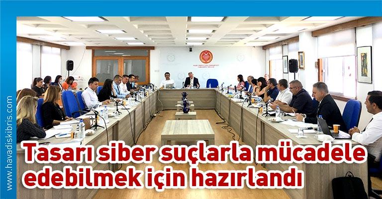 """Meclis Başkanlığı'ndan yapılan açıklamaya göre, Cumhuriyet Meclisi, Hukuk, Siyasi İşler ve Dışilişkiler Komitesi bugün saat 10.00'da toplandı ve Bilişim Suçları Yasa Tasarısı""""nın genel görüşmesini tamamladı"""