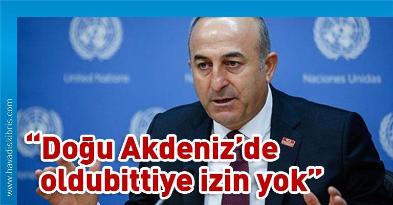 """Türkiye Cumhuriyeti Dışişleri Bakanı Mevlüt Çavuşoğlu, bir televizyon kanalında katıldığı programda gündemdeki gelişmeleri değerlendirdi Doğu Akdeniz'deki son gelişmelere ilişkin de konuşan Çavuşoğlu, """"Biz, Doğu Akdeniz'de herkesle iş birliğine varız. Türkiye'nin olmadığı hiçbir anlaşma geçerli değildir,"""