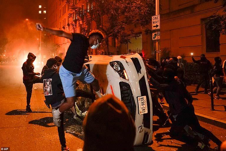 protesto gösterileri