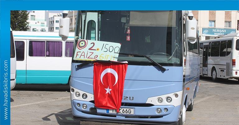 Kamu Araçları İşletmecileri Derneği'nin (KAR-İŞ) Meclis önündeki eylemi sürüyor.