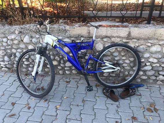 Lefkoşa, Girne Kapısı, bisikletli sürücüye çarptı, çarpışma, kaza, yaralanma, Polis