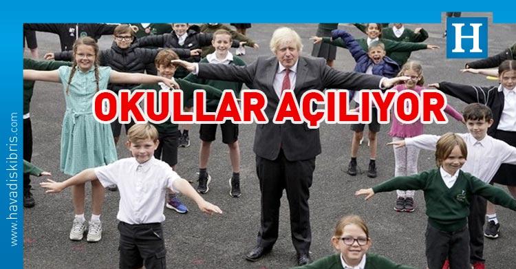 İngiltere'de okullar açılıyor