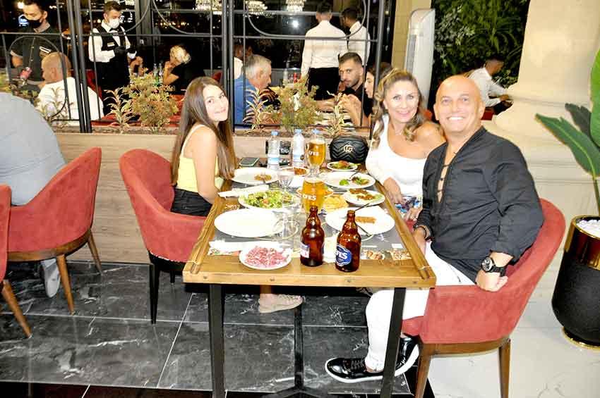 Oktay Usta, Girne, magazin, Mersinli Ciğerci Oktay Usta Restoran, Oktay Usta