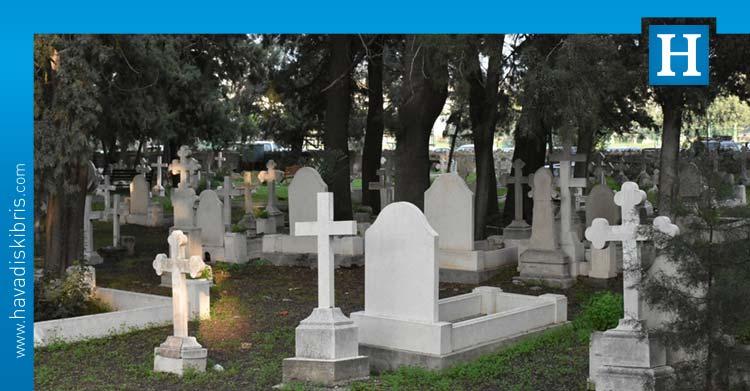 Girne Belediyesi Yabancılara Ait Eski Mezarlığı Düzenledi