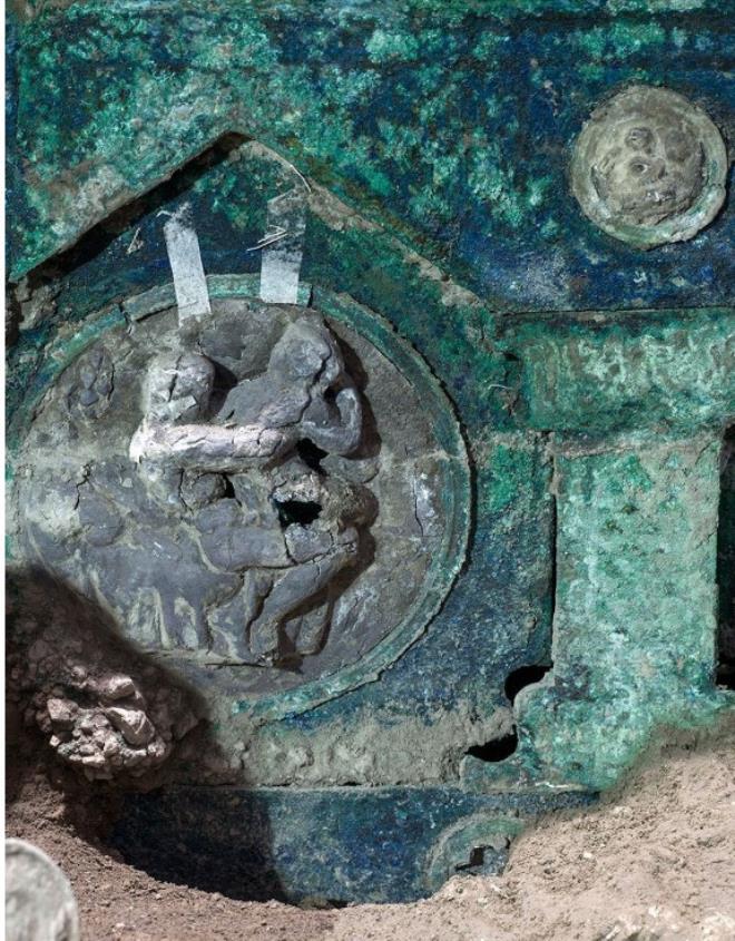 2 bin yıllık tören arabası