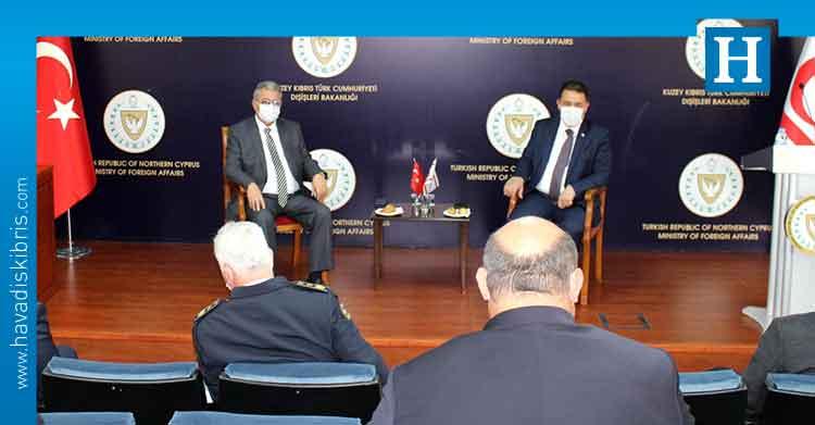 Başbakan Ersan Saner ve İçişleri Bakanı Kutlu Evren, içişleri bakanlığı