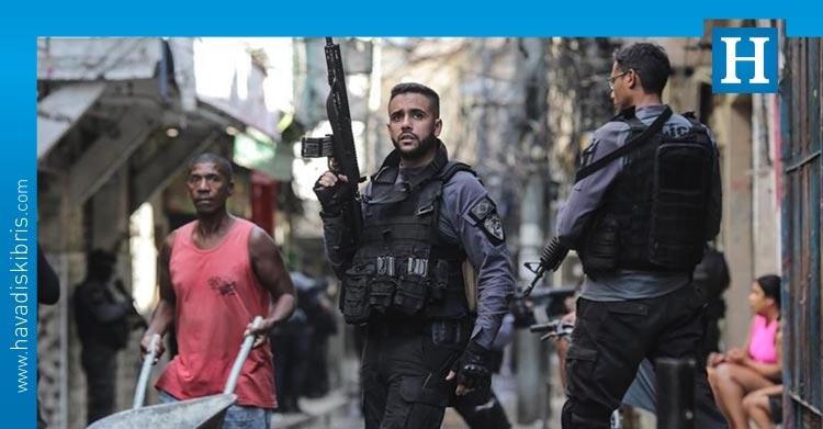 favela çatışma
