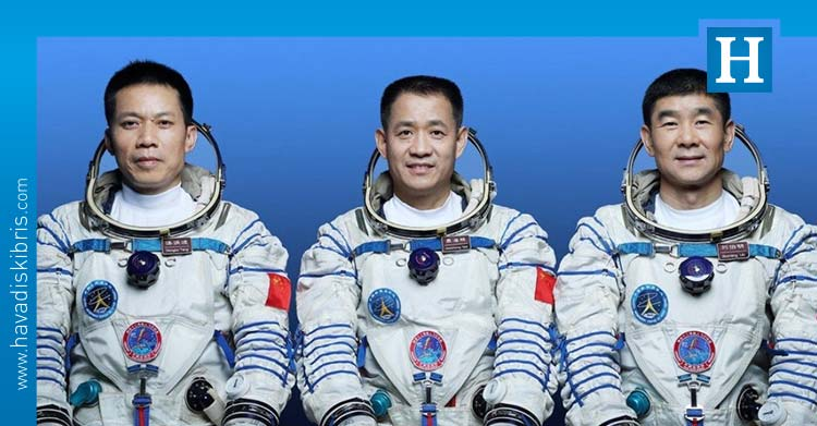 Çin uzay istasyonu astronot ekibi